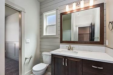 009_Bathroom.jpg