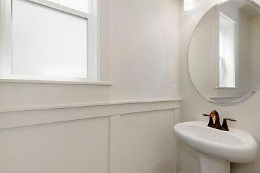 022_022_Bathroom  .jpg
