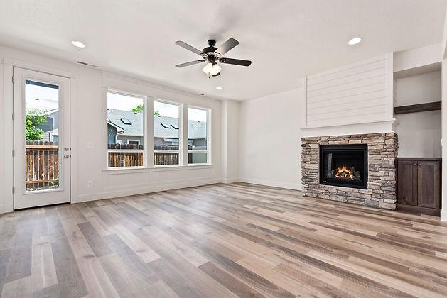 007_Livingroom.jpg