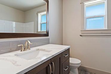 024_Bathroom.jpg