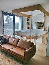 Bedup bed aan plafond met kader