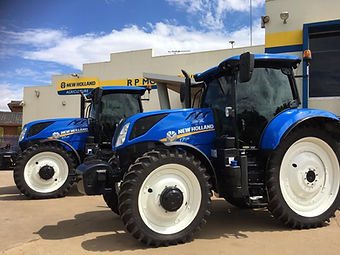 New_Holland_T7_Series_Tractors_-_R.P._Mo