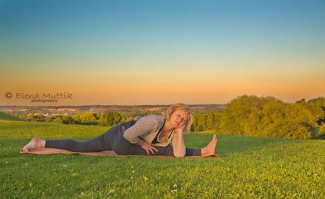 Yoga by Elena demonstrating yoga expertise