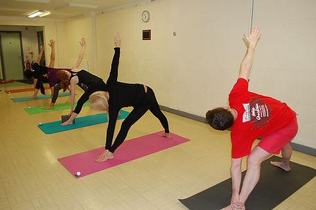 Trikonasana - Willen Intermediate YogaCl