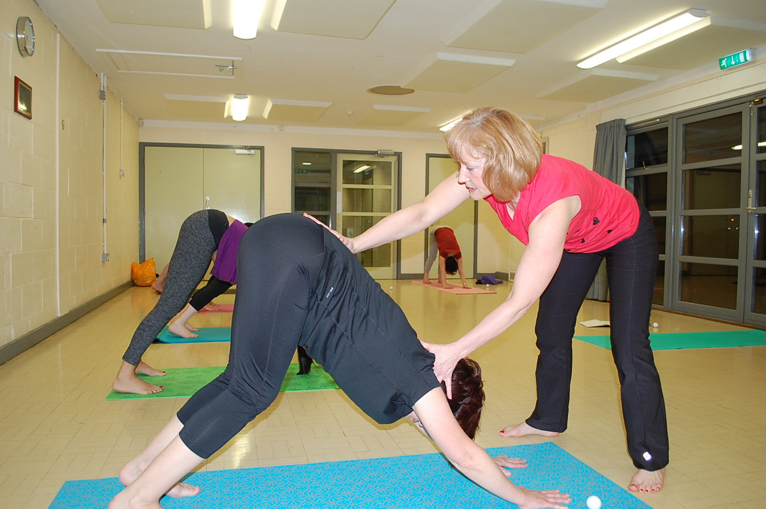 Online Friday Yoga Flow 3:30 - 4:30pm