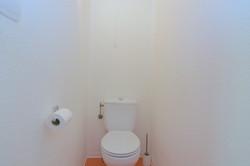 bathroom2Auron