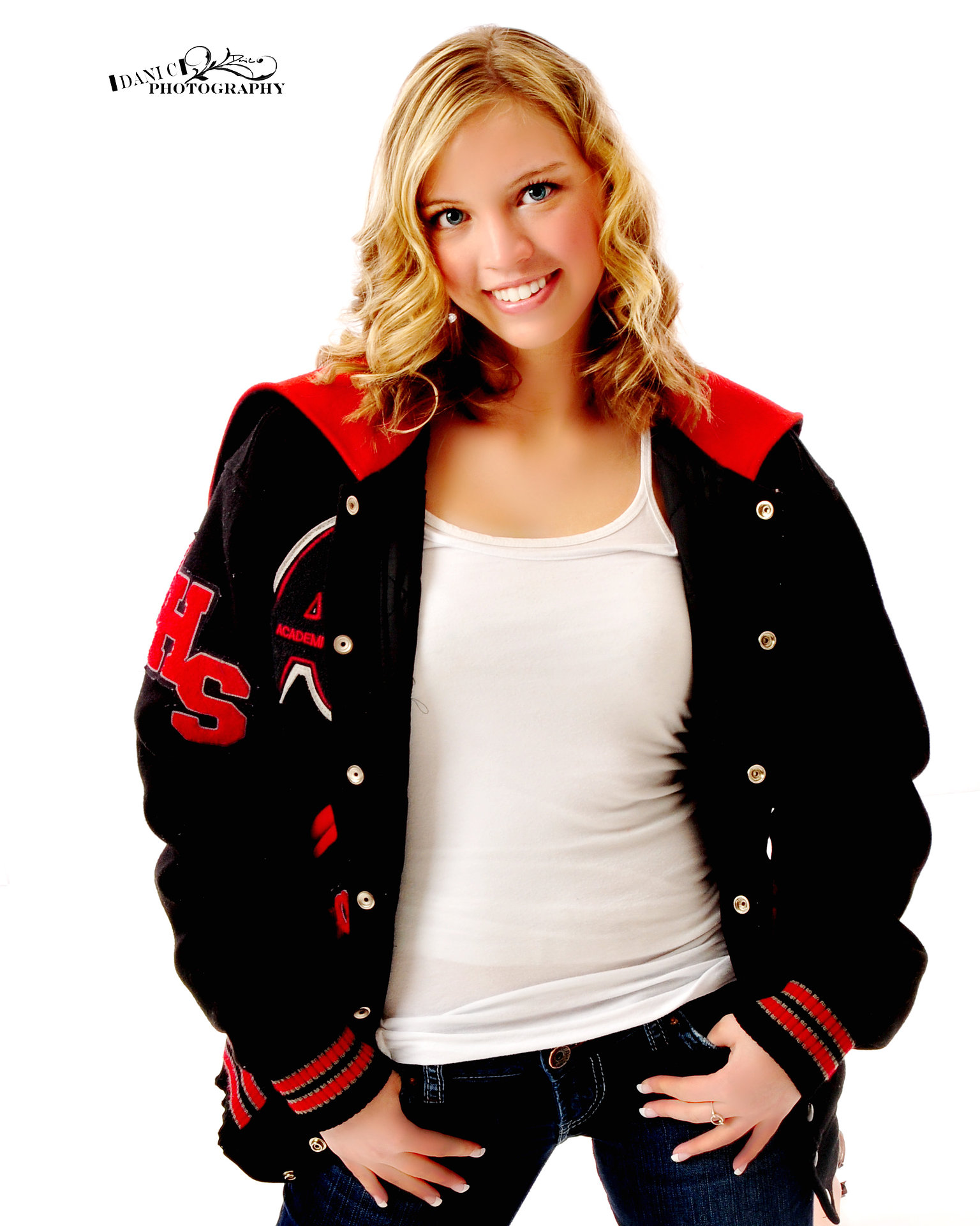 senior pictures letter jacket