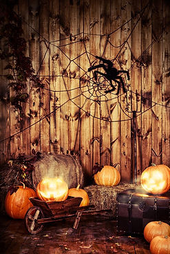 wood-backdrop-shiny-pumpkin-lanterns_IBD