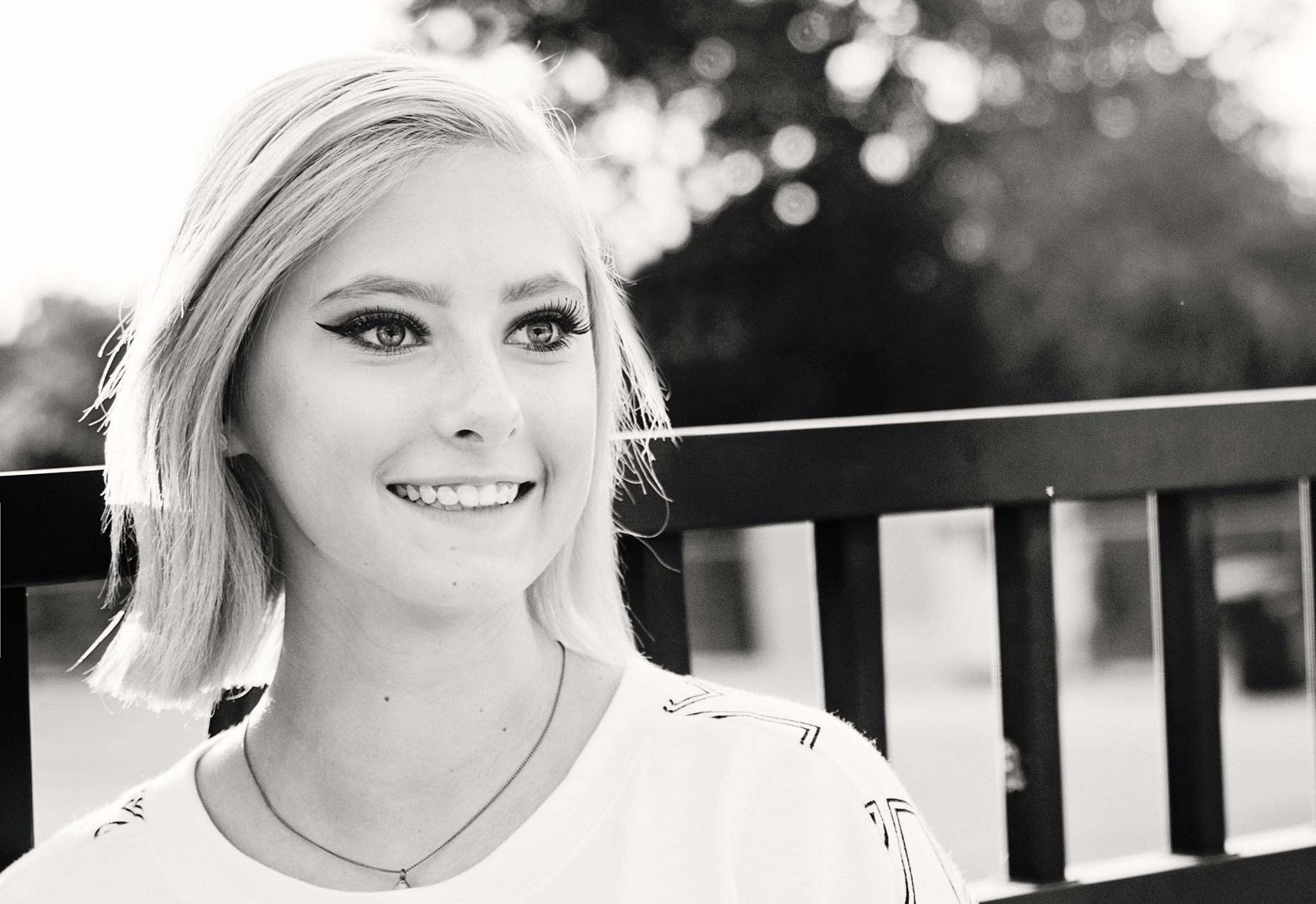 senior portraits bw