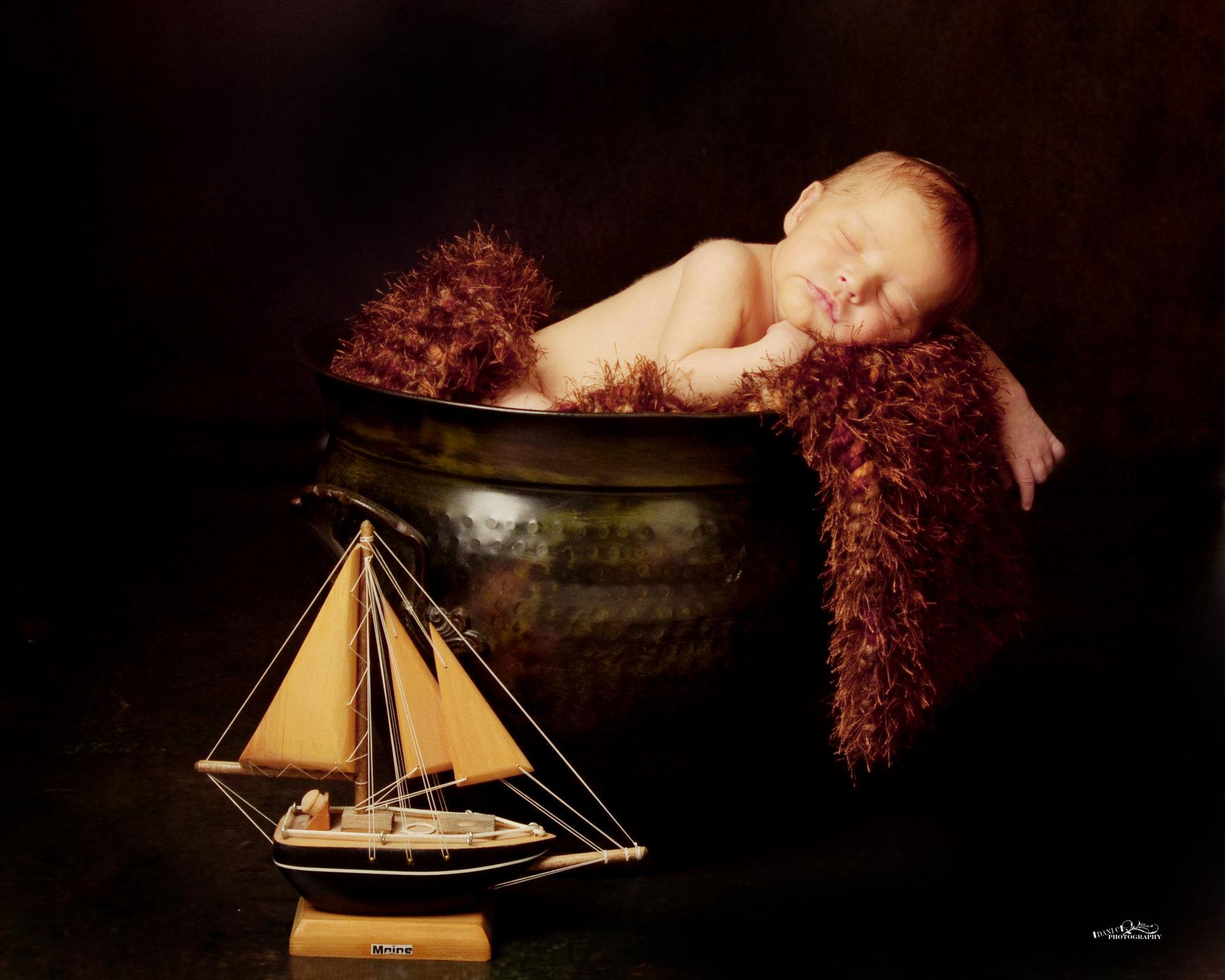 ship & pot