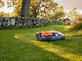 Husqvarna-Automower-315-orange-outdoor.j