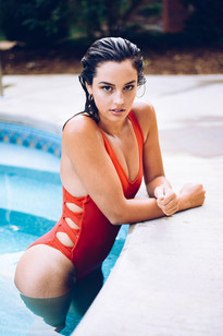 Bombshell Hair and Makeup for Swimsuit Photoshoot