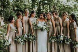 We love large Bridal Parties