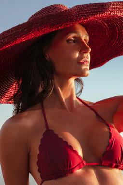 Sylvie-chapeau-et-bikini-bordeau (1).jpg