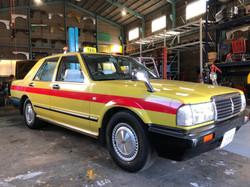 黄色タクシーオプション赤ライン