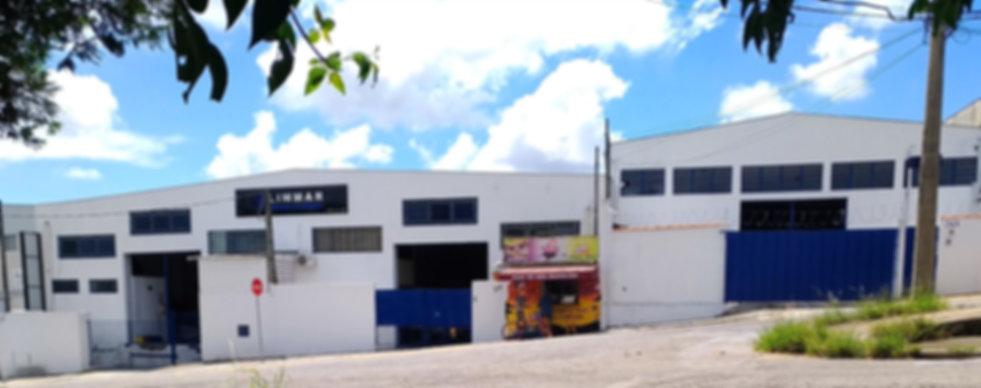 Empresa especializada em usinagem e corte de peças de diversos tipos de materiais.