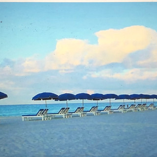 Beautiful uncrowded beach with full acce
