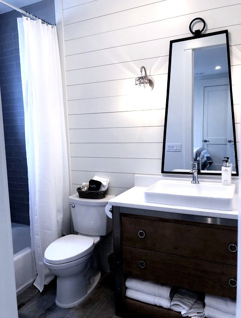 Upstairs guest bathroom in Main House