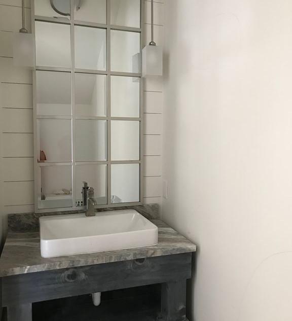 Guesthouse Half Bath