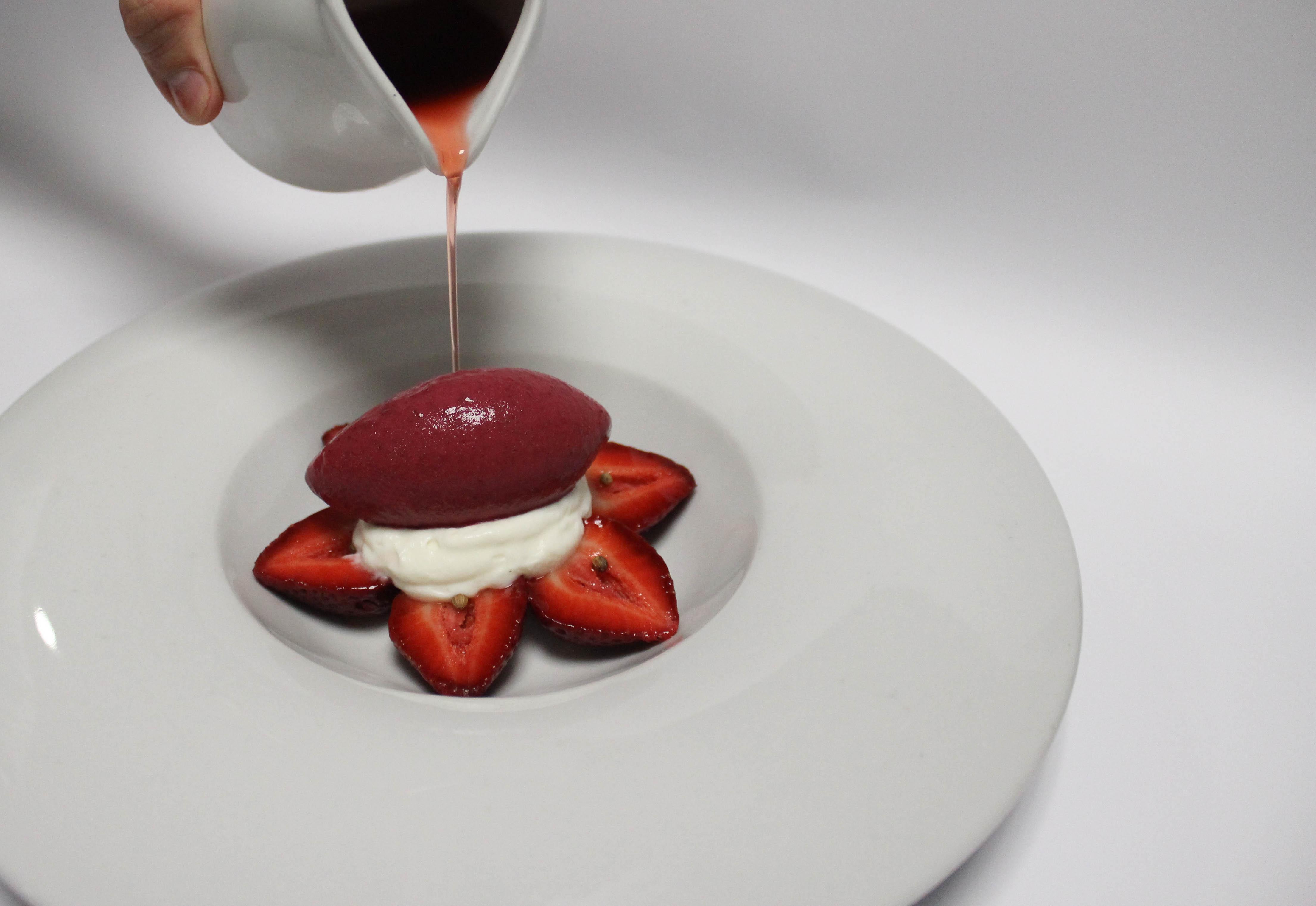 Fresas con Yogurt y Especias (2013)