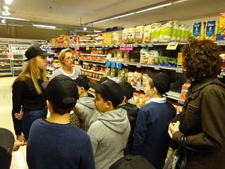 La visite du magasin Delhaize de Haccourt.