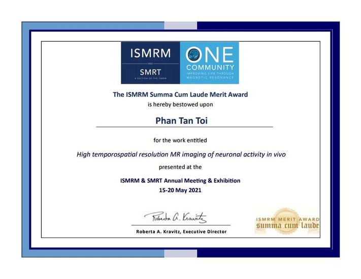 Summa Cum Laude Merit Award