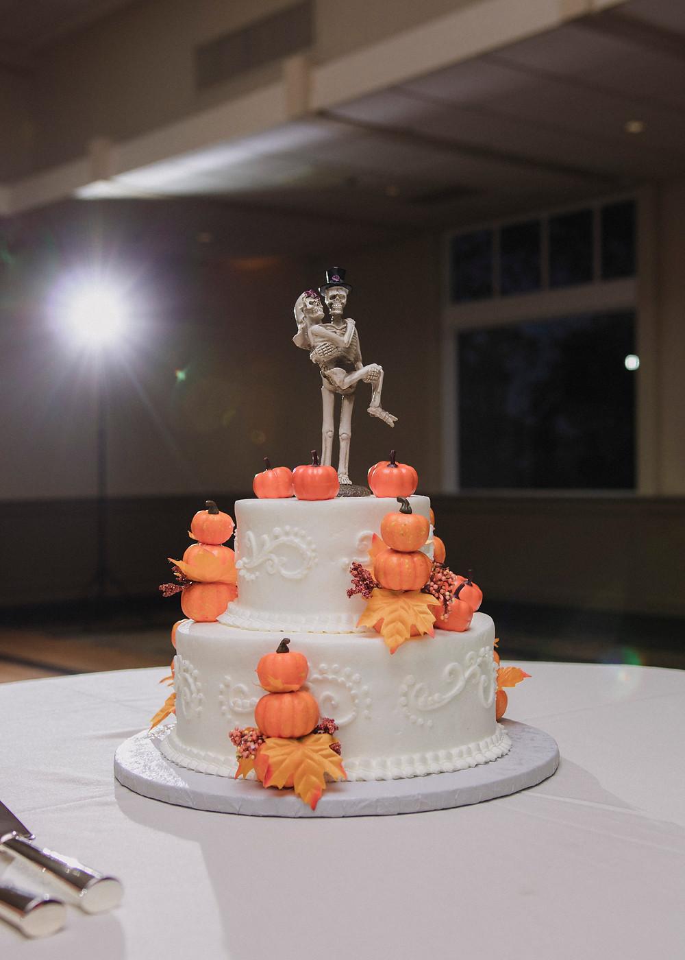 Pittsburgh Wedding Cakes - Pittsburgh Wedding Photographer | Wild North Weddings