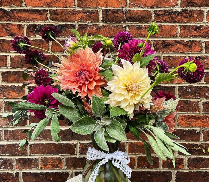 Pittsburgh Pennsylvania Floral Designer - Wedding & Elopement Photographer
