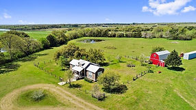 Craftsman style farmhouse with Barn near Round Top Texas