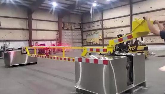 24' Manually Operated Crash Beam