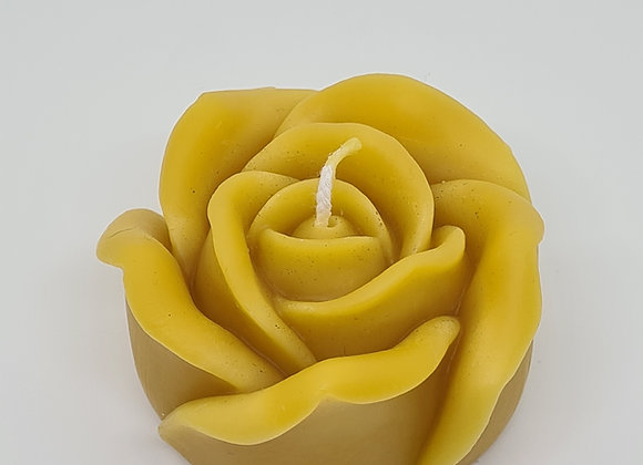 The Queen rose Candle