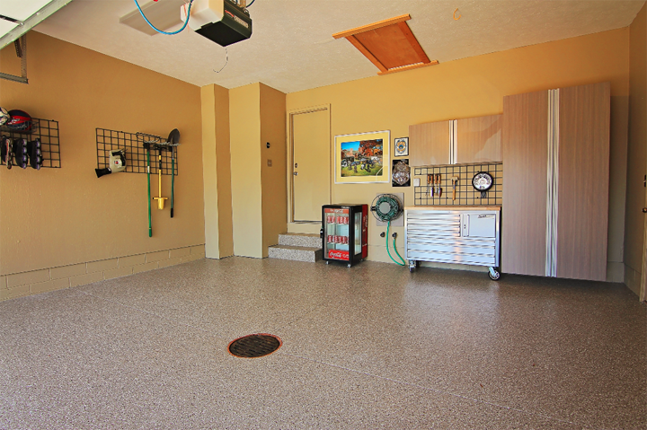 Akron, OH-Garage Cabinets & Flooring
