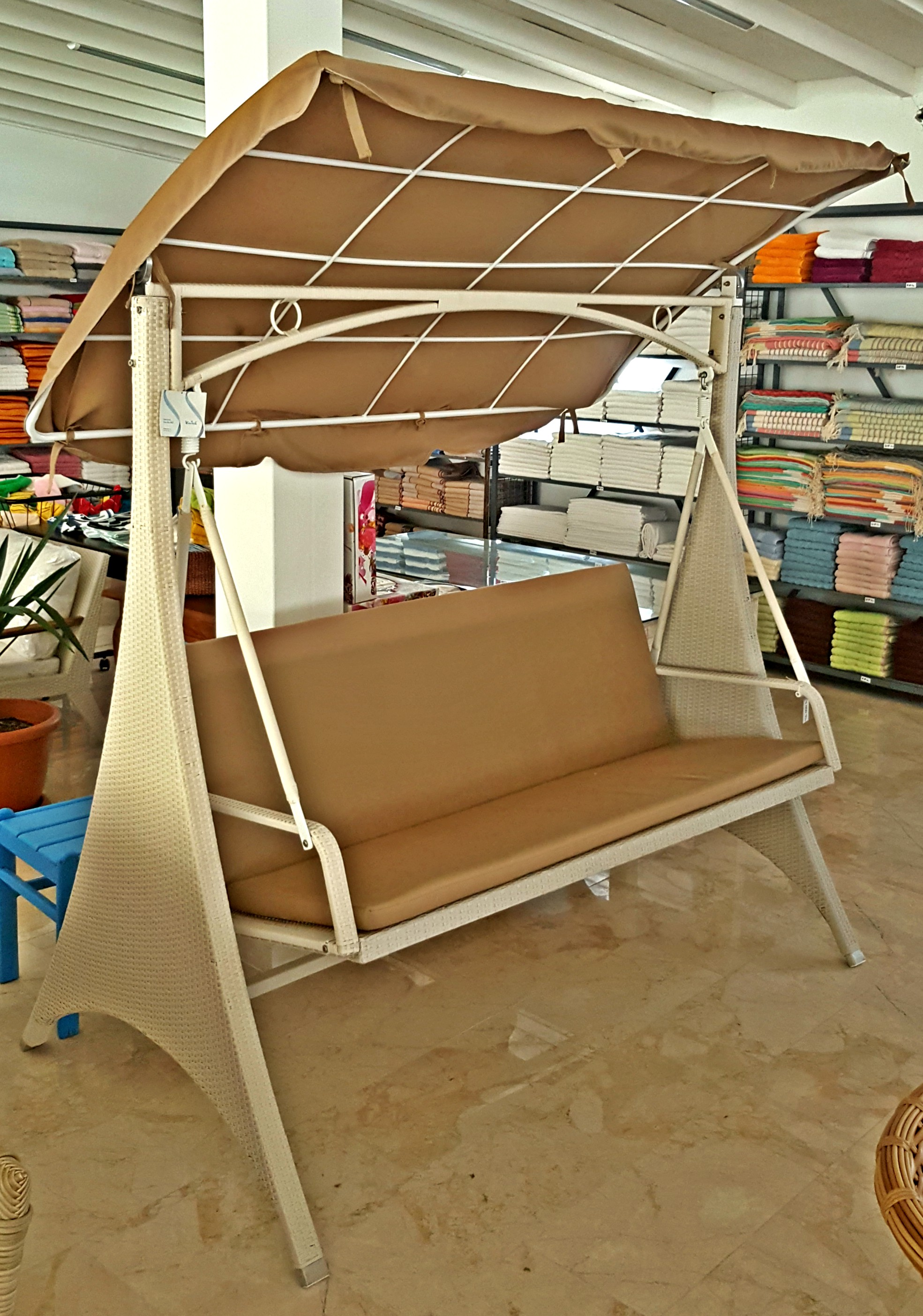 Lunica 2-Seater Swing