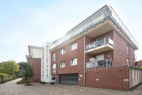 BV: Mehrfamilienhaus mit Tiefgarage in 21228 Hittfeld