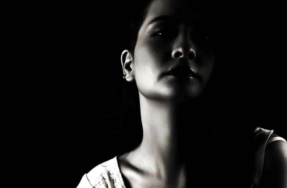 La dissociation pour survivre, www.milenahirsch.com, se protéger en adoptant des comportement compulsifs, la parole du corps, Milena Hirsch