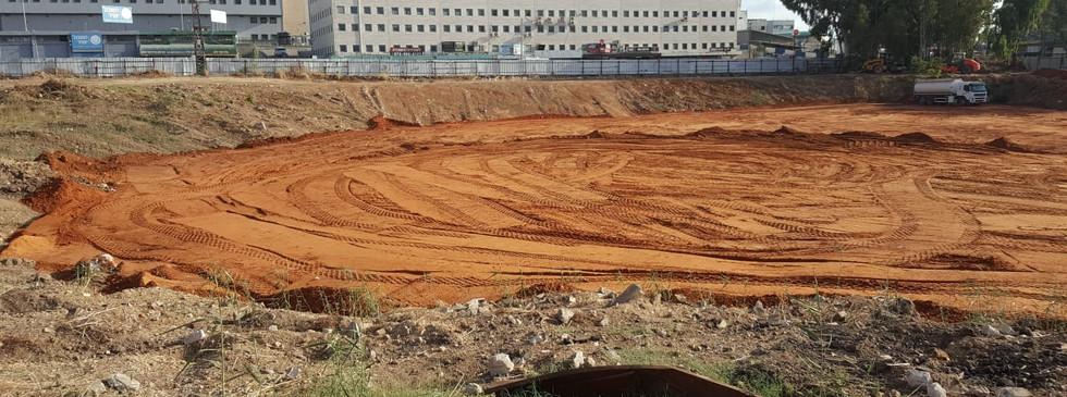 כיסוי אתר לאחר החלפת קרקע