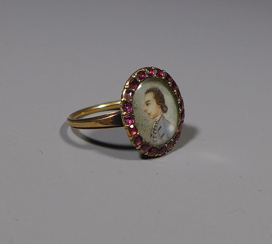 Antique Georgian Gold Mounted Almandine Garnet Set Portrait Ring main