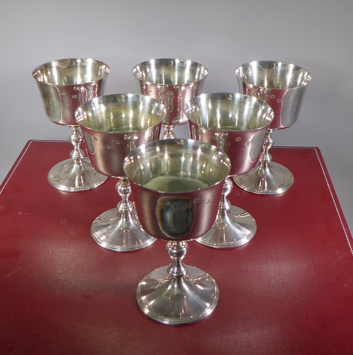 Cased Set of Six Hallmarked Sterling Silver Goblets 1975 - 1579 Grams