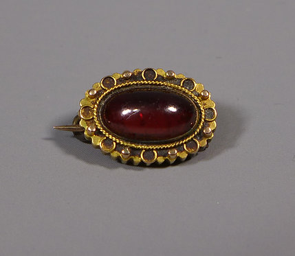 Fine Small Antique Cabochon Garnet in unmarked 15ct Gold Frame #1