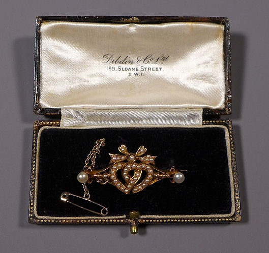 19th C. Antique 15 Carat Gold & Seed Pearl Entwined Heart Brooch in box