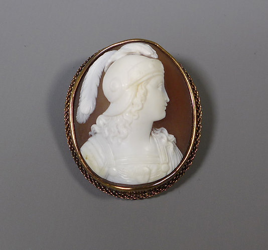 Fine Antique Shell Cameo of a Warrior in unmarked 15ct Gold Frame #1
