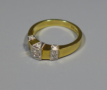 Vintage 18ct Gold and Diamond Ring UK size M London 1998