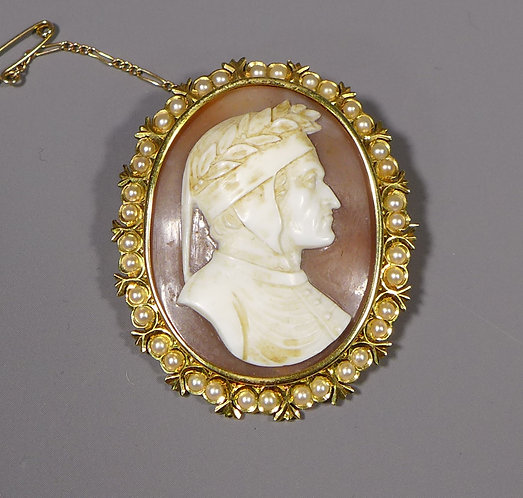 Antique Shell Cameo Depicting Dante Alighieri in 15ct Frame front