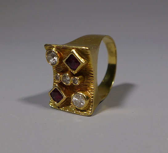 Vintage Modernist 18ct Gold Diamond and Garnet Ring 11.9 Grams UK size M main