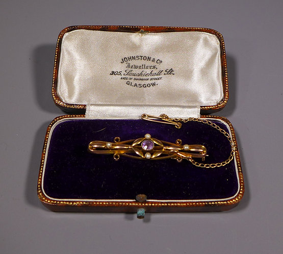 Antique 9ct Gold Brooch set with an Amethyst and Split Pearls Boxed in box