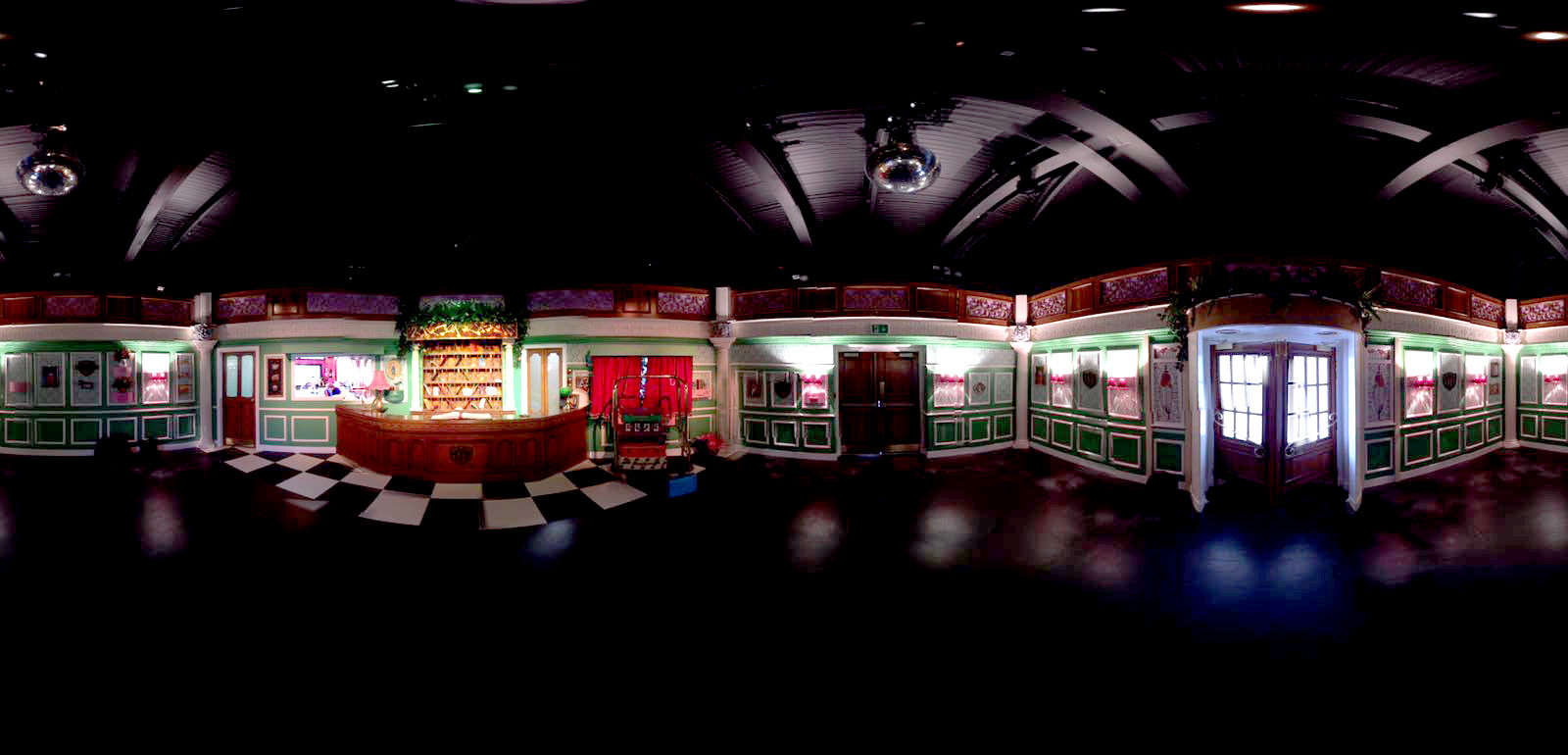 Furchester Hotel LIVE panoramic interior
