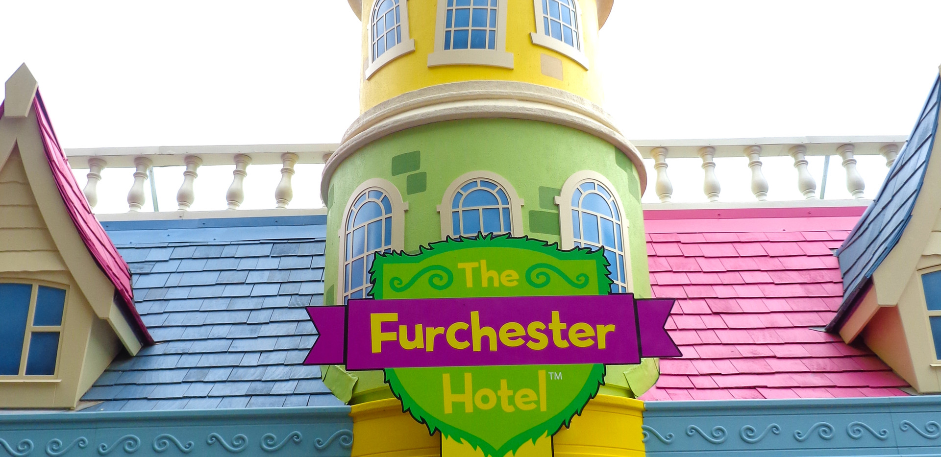 Furchester Hotel Live sign