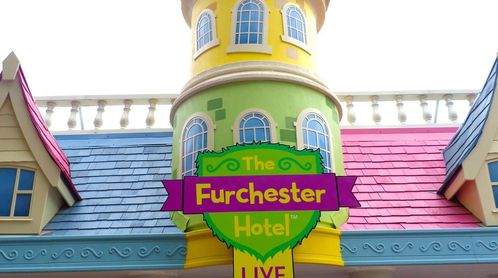 Furchester Hotel Live sign