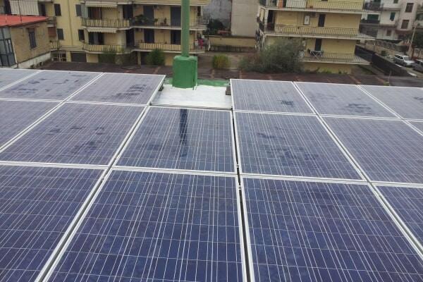 Impianto fotovoltaico su tetto a falde - Casavatore (NA)