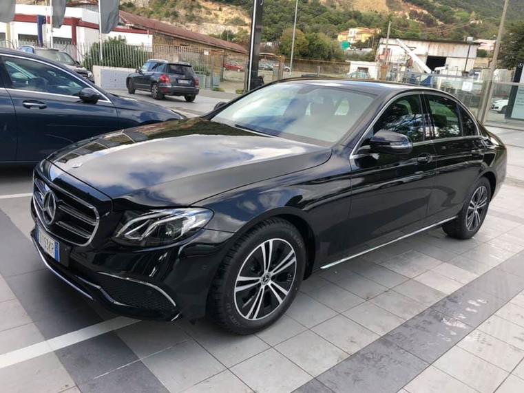 auto privata elegante